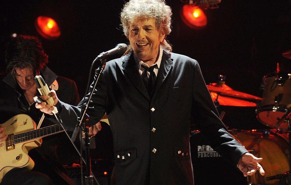 Dylan no pronunciará la conferencia de recepción obligada al recibir el galardón. (AP, archivo)