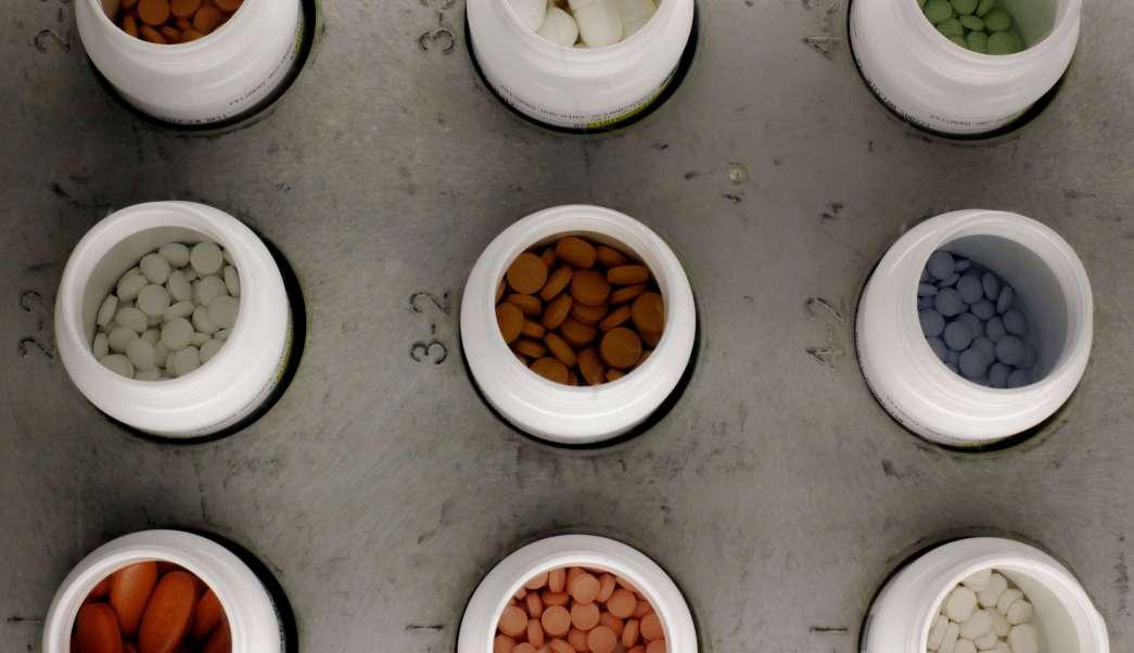 Botes con medicamentos (AP, archivo)