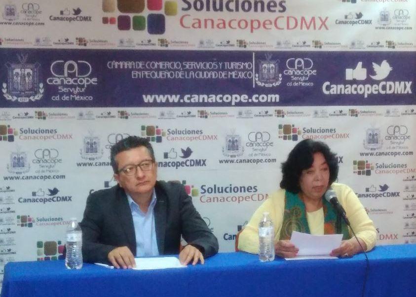 Se han registrado dos casos que por tener que pagar derecho de piso tuvieron que cerrar sus negocios (Twitter/@CanacopeCDMX)