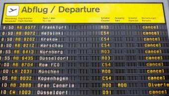 Cancelan cientos de vuelos en Berlín, Alemania. (AP)