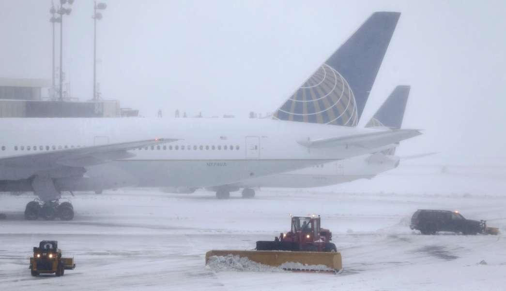 Cancelan vuelos en Estados Unidos por la tormenta invernal Stella (AP)