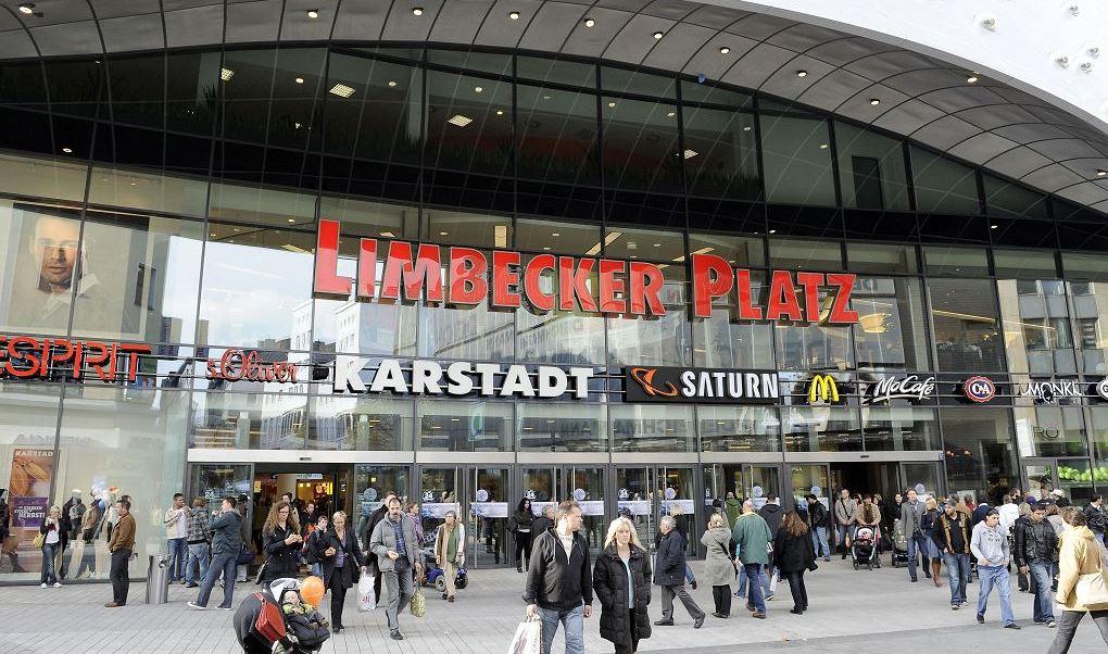 Limbecker Platz es un complejo de varias plantas con unas 170 tiendas. (AP)