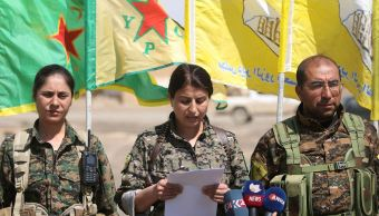 Las Fuerzas de Siria Democrática irrumpen en el aeropuerto militar de Al Tabqa. (Reuters/archivo)