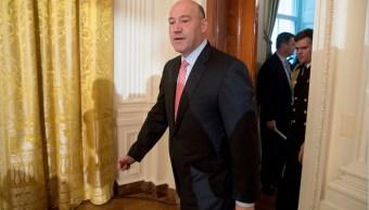 Gary Cohn llega a la Casa Blanca; el asesor económico dice que Trump está dispuesto a negociar la nueva ley de salud entre los legisladores conservadores (AP, archivo)