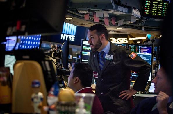 Bolsa de Nueva York abre con ganancias, espera resultados de la Fed