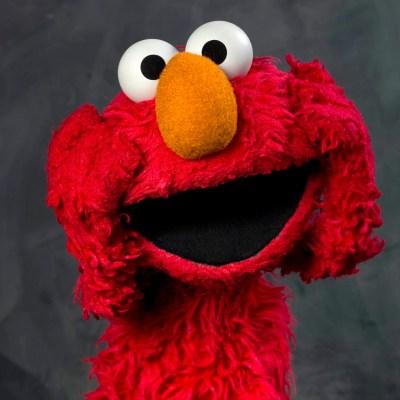 Elmo pierde su trabajo en Plaza Sésamo