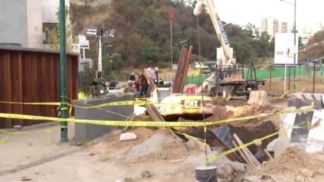 Derrumbe de túnel en del Viaducto Interlomas en Huixquilucan, Estado de México (Noticieros Televisa)