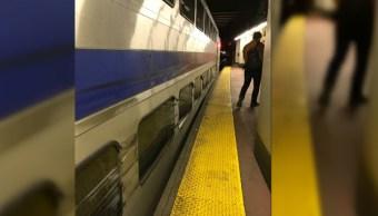 Tren descarrila en las inmediaciones de la Penn Station, en Nueva York (Twitter @CaitNBCBoston)