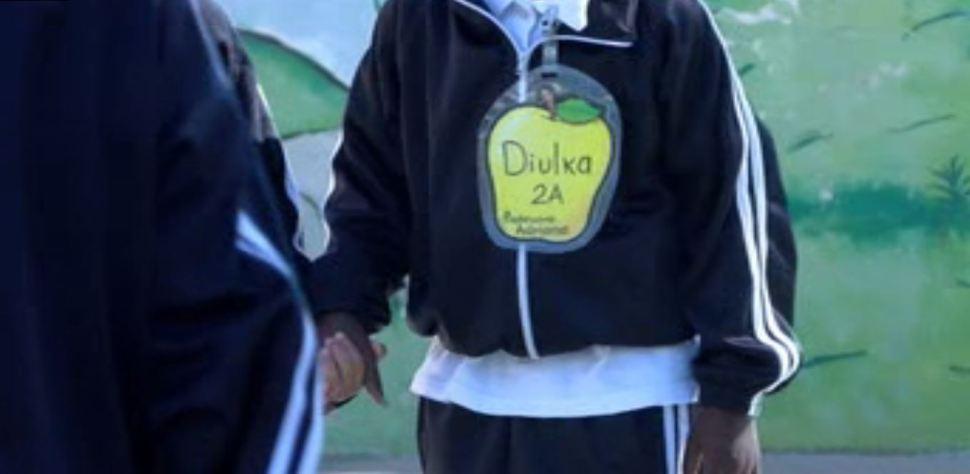 Diulka, primera niña haitiana en ingresar a un kínder de Tijuana. (Noticieros Televisa)