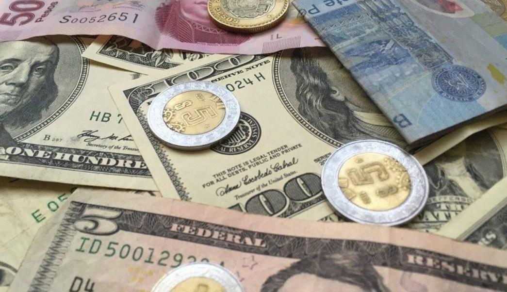 Este martes, el dolar cerró en 19.15 pesos en bancos capitalinos. (Notimex)
