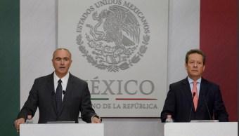 Conferencia de prensa del vocero del Gobierno de la República, Eduardo Sánchez, y el secretario de Agricultura, José Eduardo Calzada Rovirosa. (Twitter @ESanchezHdz)