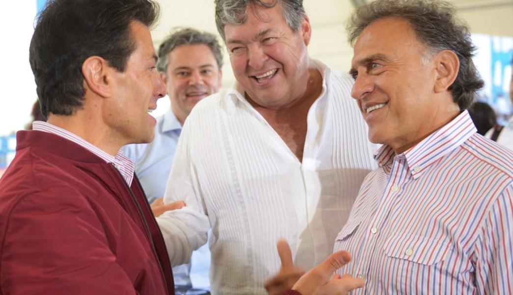 El presidente Peña Nieto asistió a la inauguración del Nuevo Puerto de Tuxpan y ofreció al gobernador Yunes Linares apoyo para devolver la seguridad a los veracruzanos.