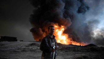 Campo petrolero incendiado