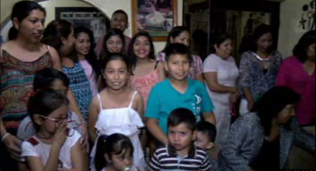 Familia de Doña Josefina Santos Pinales, quién cumple 107 años (Noticieros Televisa)
