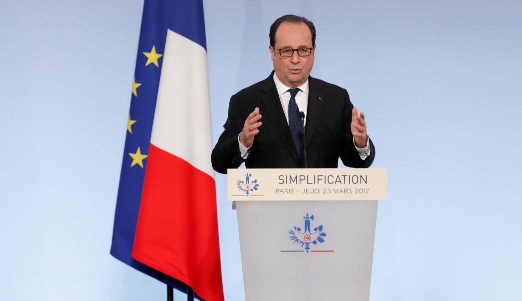 Francois Hollande, presidente de Francia, hace declaraciones desde el Palacio del Elíseo en París (Reuters)