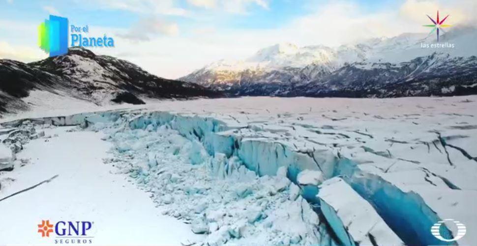 Grieta en glaciar del Ártico (Por el Planeta/Noticieros Televisa)