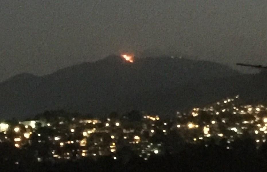 Se registra incendio en la parte alta del Ajusco.