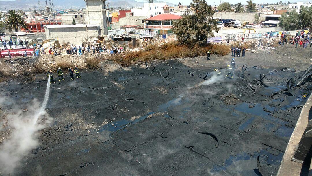 Incendio en el Circuito Exterior Mexiquense (Noticieros Televisa/Alan Hernández)