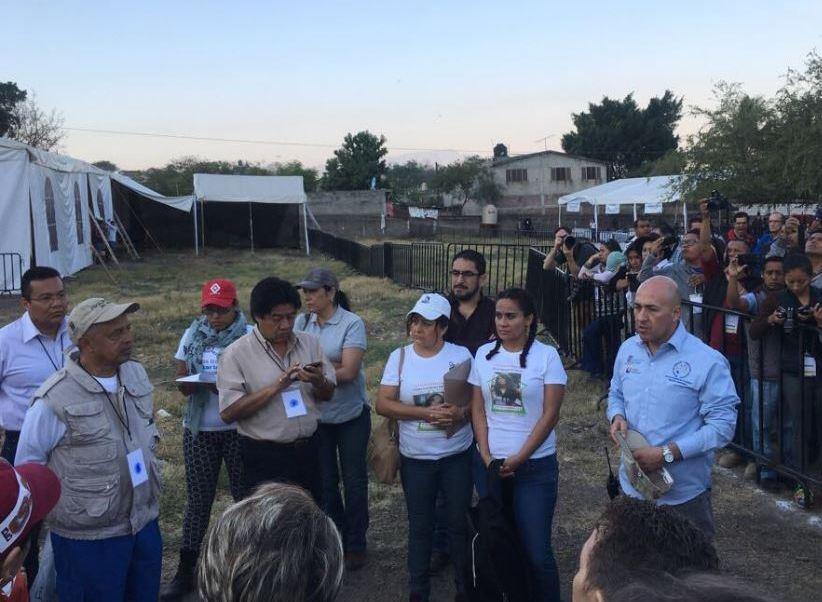 Inicia la exhumación de restos humanos en la fosa común del panteón municipal de Jojutla, Morelos (Twitter @GobiernoMorelos)