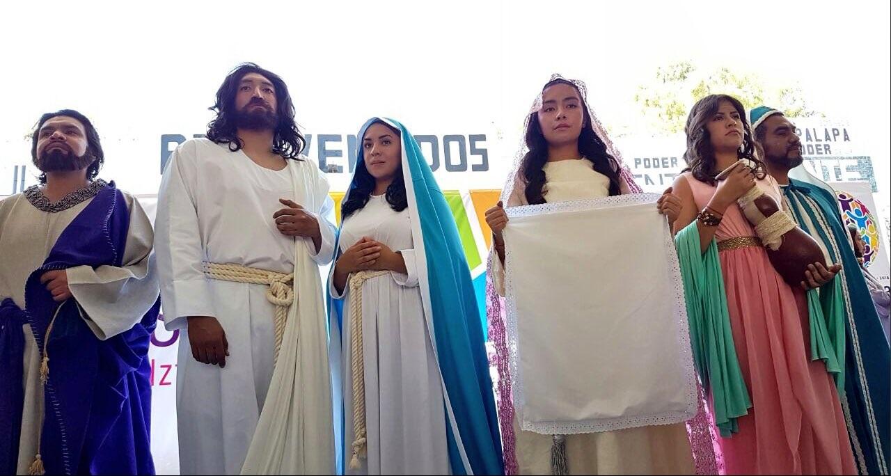 Protagonistas de la 174 representación de la Pasión de Cristo; no habrá ley seca (Twitter @DioneAnguianoF)