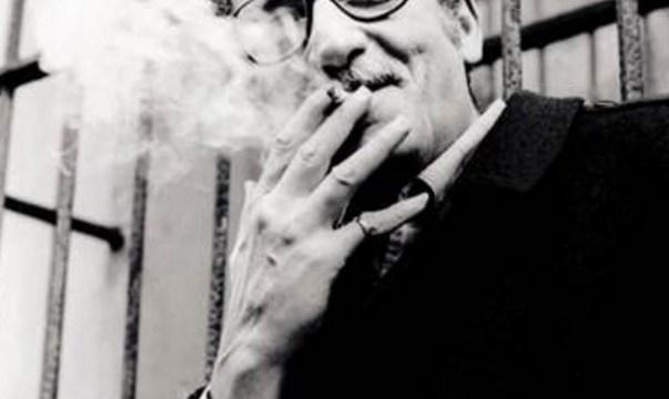 """El poeta Jaime Sabines fue condecorado en 1994 con la medalla Belisario Domínguez por su libro """"Fragmentos de sombra"""" (Notimex)"""