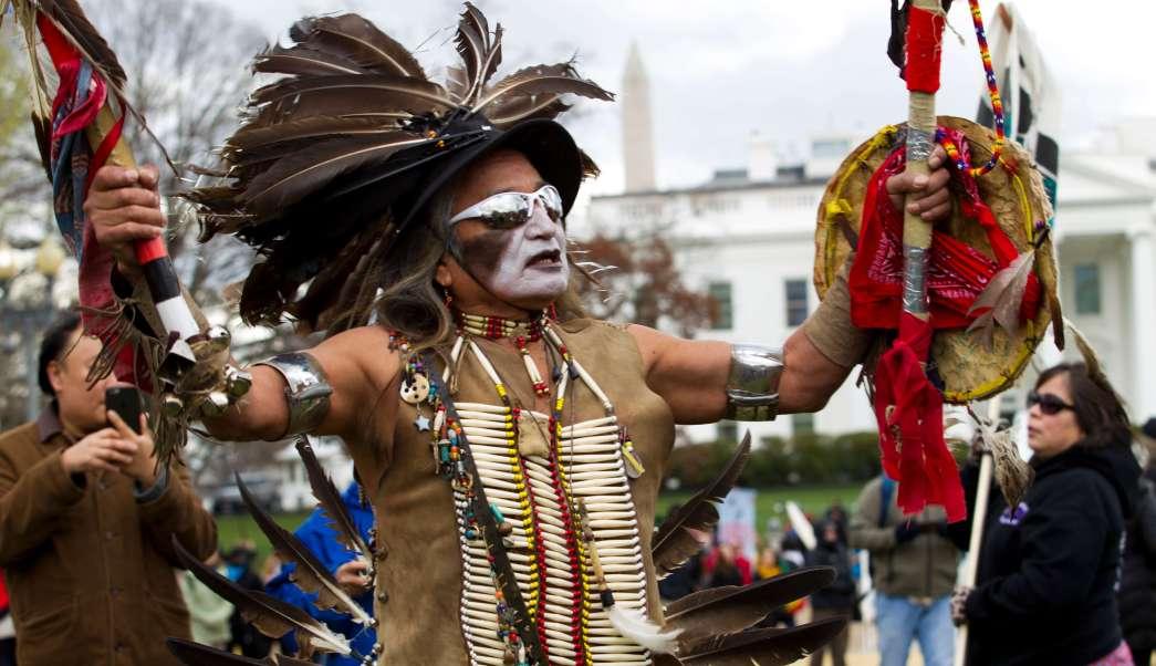 La Marcha de las Naciones Indígenas se produce un mes después de que Trump promulgara un decreto para resucitar la construcción de los oleoductos Keystone XL y Dakota Access.