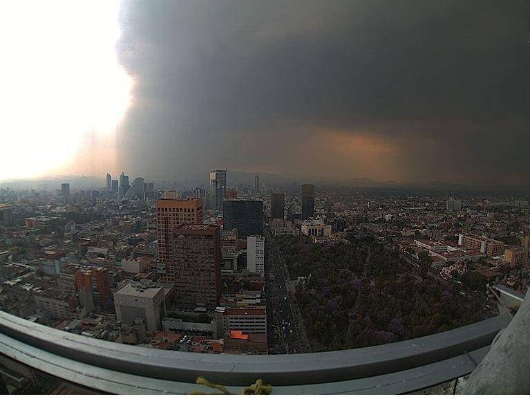 Se regsitra lluvia en al menos seis delegaciones de la Ciudad de México. (@webcamsdemexico)