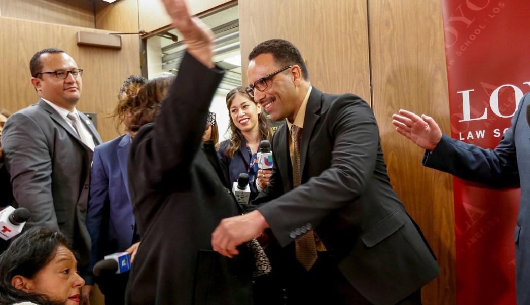 Declaran inocente a un hispano después de pasar 20 años en prisión ...