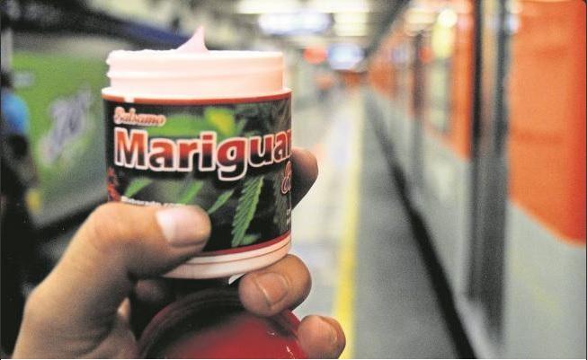 Envase de pomada 'Mariguanol' que se vende en pasillos del Metro de la Ciudad de México; la Procuraduría capitalina determina que no contiene Cannabis (Twitter @Foro_TV)