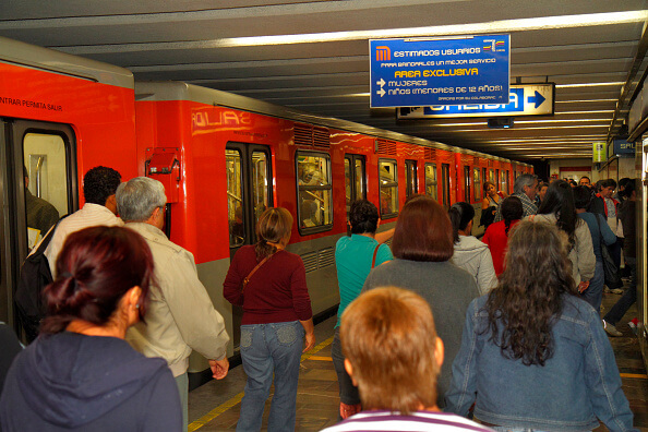 Más de la mitad de la población de la Ciudad de México utiliza este el Metro. (Getty images, archivo)