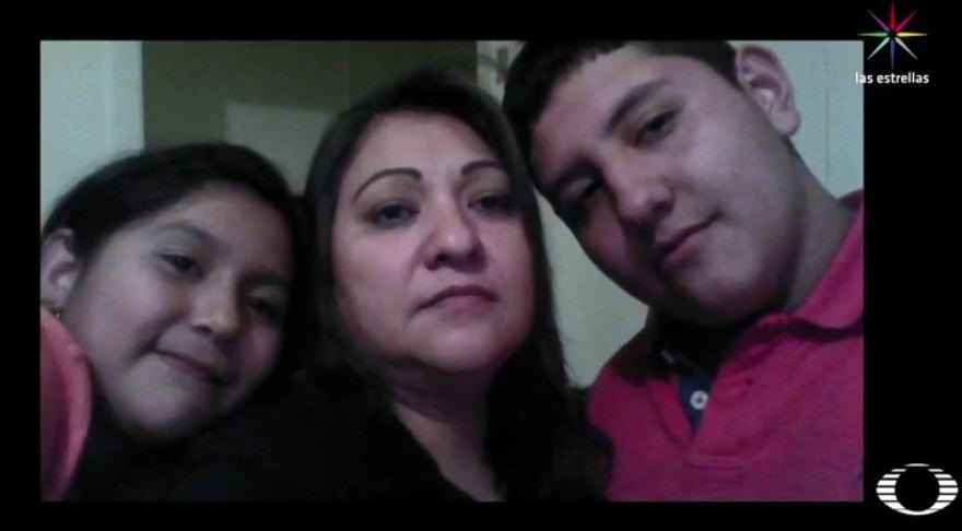 El pasado 21 de febrero, agentes de ICE detuvieron a 18 trabajadores de la taquería 'Guadalajara', entre ellos, estaba Bárbara, cuyos, hijos esperan que sea liberada mientras trabajan para sobrevivir. (Noticieros Televisa)