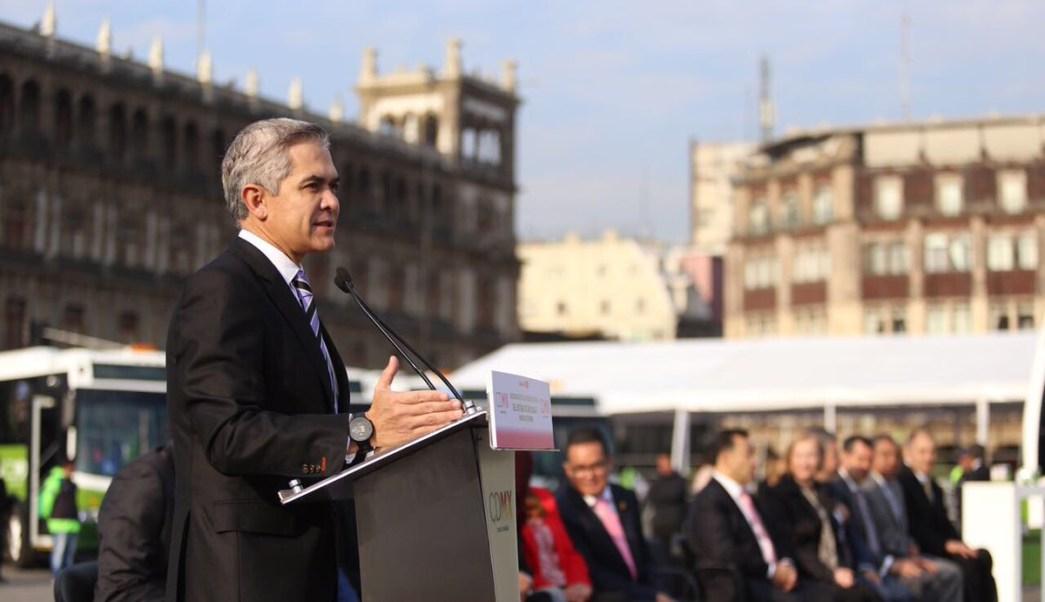 'El resultado de las fotomultas es claro, es salvar vidas', asegura Mancera. (Twitter: @ManceraMiguelMX)