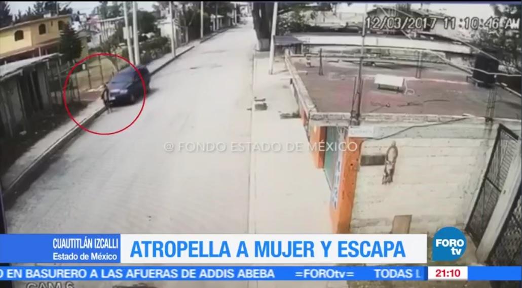 En el video se observa al vehículo que sigue a la víctima varios metros hasta atropellarla. (FOROtv)