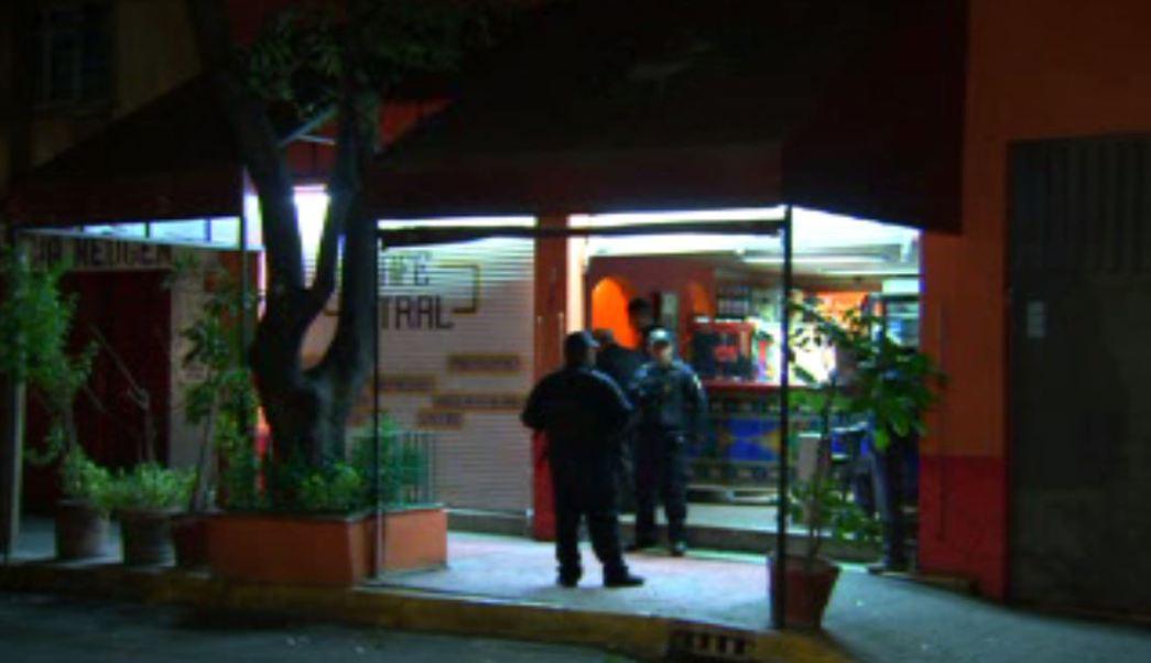 Mujer herida en la colonia Anáhuac. (Noticieros Televisa)