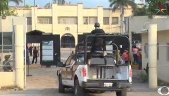 Patrulla ingresa al penal de Ciudad Victoria, Tamaulipas (Noticieros Televisa)