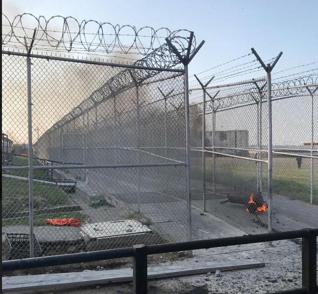 Movilización al interior del penal de Cadereyta, en NL. (Twitter @yadithvaldez)