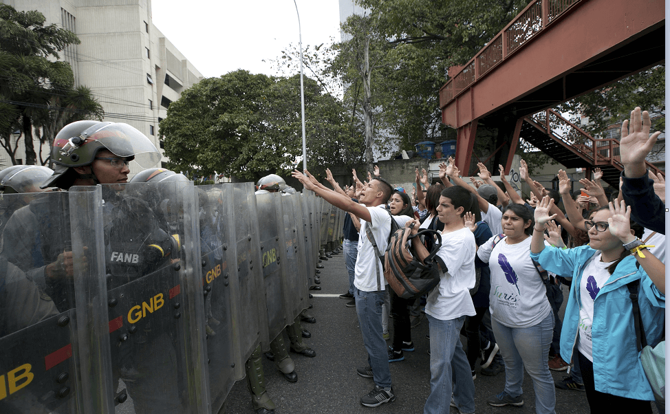 Protestas en Venezuela ante la decisión del Tribunal Supremo de asumir las funciones de la Asamblea Nacional. (AP, archivo)