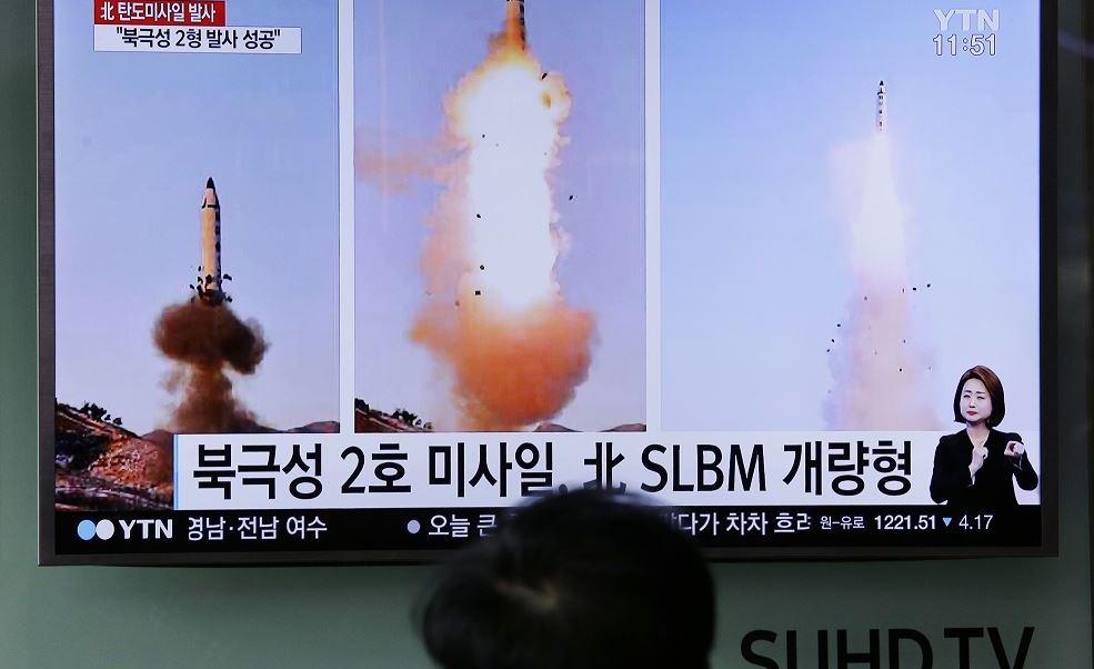 Los gobiernos de Corea del Sur, Estados Unidos y Japón acuerdan reforzar la cooperación para frenar lo que consideran provocaciones del régimen norcoreano, tras el lanzamiento de cuatro misiles este lunes. (AP, archivo)