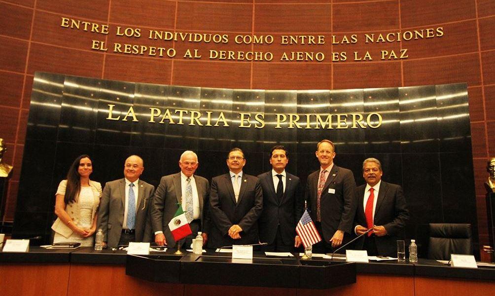 Los integrantes de la 12° delegación binacional anual de la Cámara de Comercio Regional de San Diego, firmaron un convenio de cooperación con el Senado mexicano. (Twitter @SDChamber)