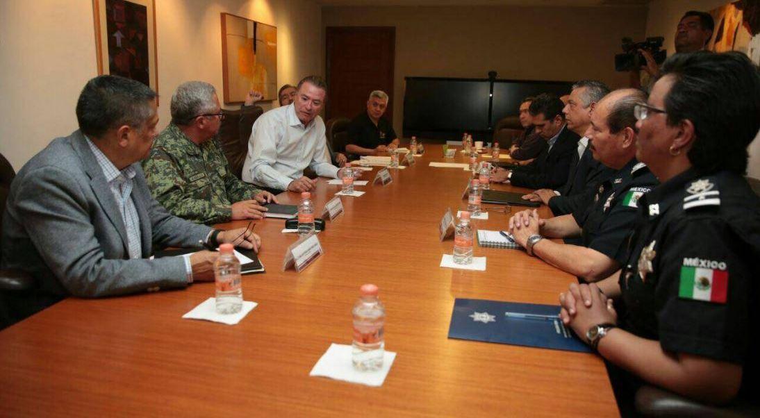 Sinaloa reúne a su gabinete de seguridad tras la fuga del hijo de 'El Azul'