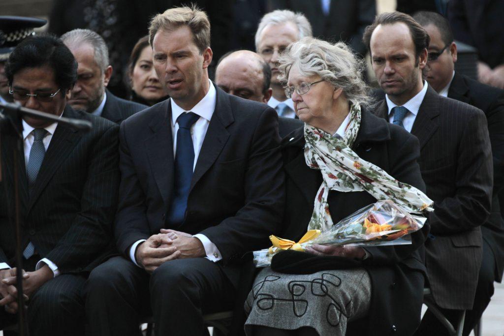 Ataque en las afueras de Parlamento británico dejó cuatro muertos
