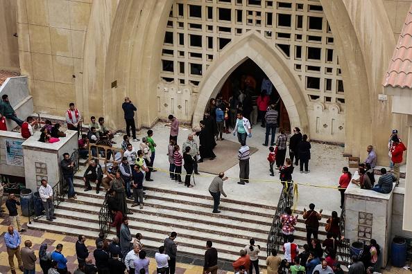 Los fieles se reúnen en el templo de San Jorge, en la ciudad de Tanta, donde el Estado Islámico perpetró un atentado. (Getty Images)