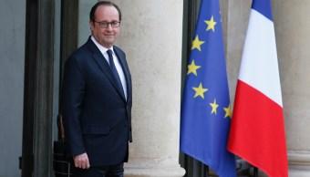 El presidente de Francia, Francois espera a su invitado. (Getty Images)