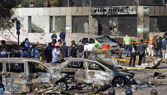 El 4 de noviembre de 2008, el ciudadano francés, Paul Henri, manejaba su automóvil en la colonia Lomas de Chapultepec, cuando el fuselaje del avión en el que viajaba el entonces secretario de Gobernación, Juan Camilo Mouriño, cayó sobre su vehículo. (Getty Images/Archivo)