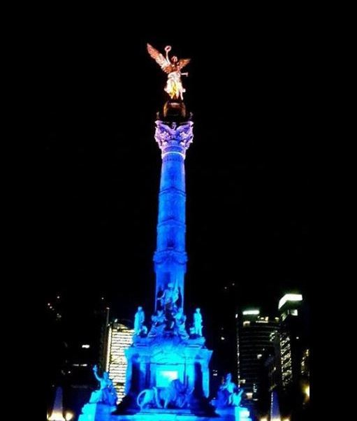 Monumentos y edificios se iluminan de azul por Día Mundial de la Toma de Conciencia sobre el Autismo