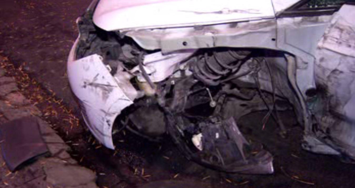 Automóvil se impacta contra ambulancia en la CDMX. (Noticieros Televisa)