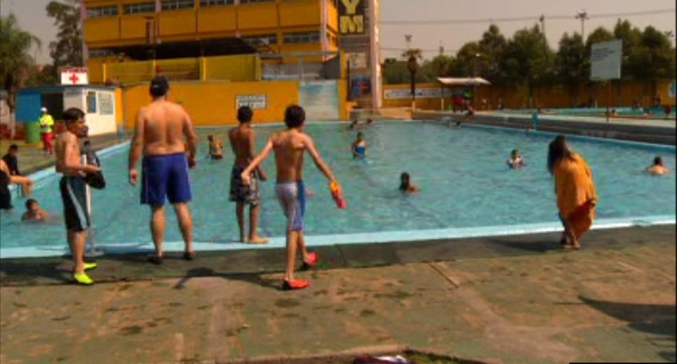 Niños disfrutan de balneario que se ubica dentro de la Ciudad de México (Noticieros Televisa)