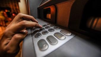 La red de cajeros automáticos estará a disposición de los usuarios de servicios bancarios. (Getty Images)