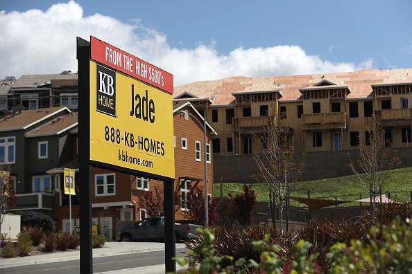 Casas en venta en un suburbio de Estados Unidos (Getty Images, archivo)