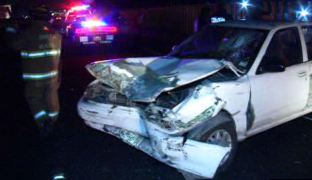 Vehículo que protagoniza choque en la carretera México-Puebla (Noticieros Televisa)